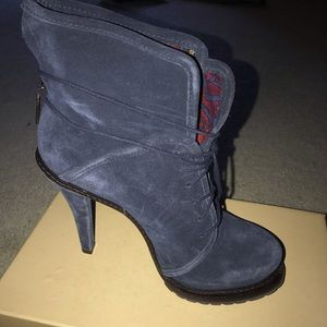 Blue Suede 4-5in lace up bootie.